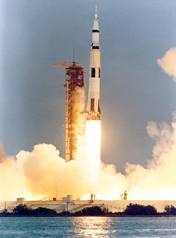 Amazoncom Apollo 13 Tom Hanks Ed Harris Bill Paxton
