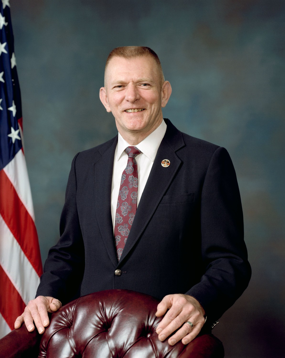 gene kranz essay Failure is not an option has 4,919 ratings and 388 my first knowledge of gene kranz was from the apollo 13 film and when i saw he'd had written.
