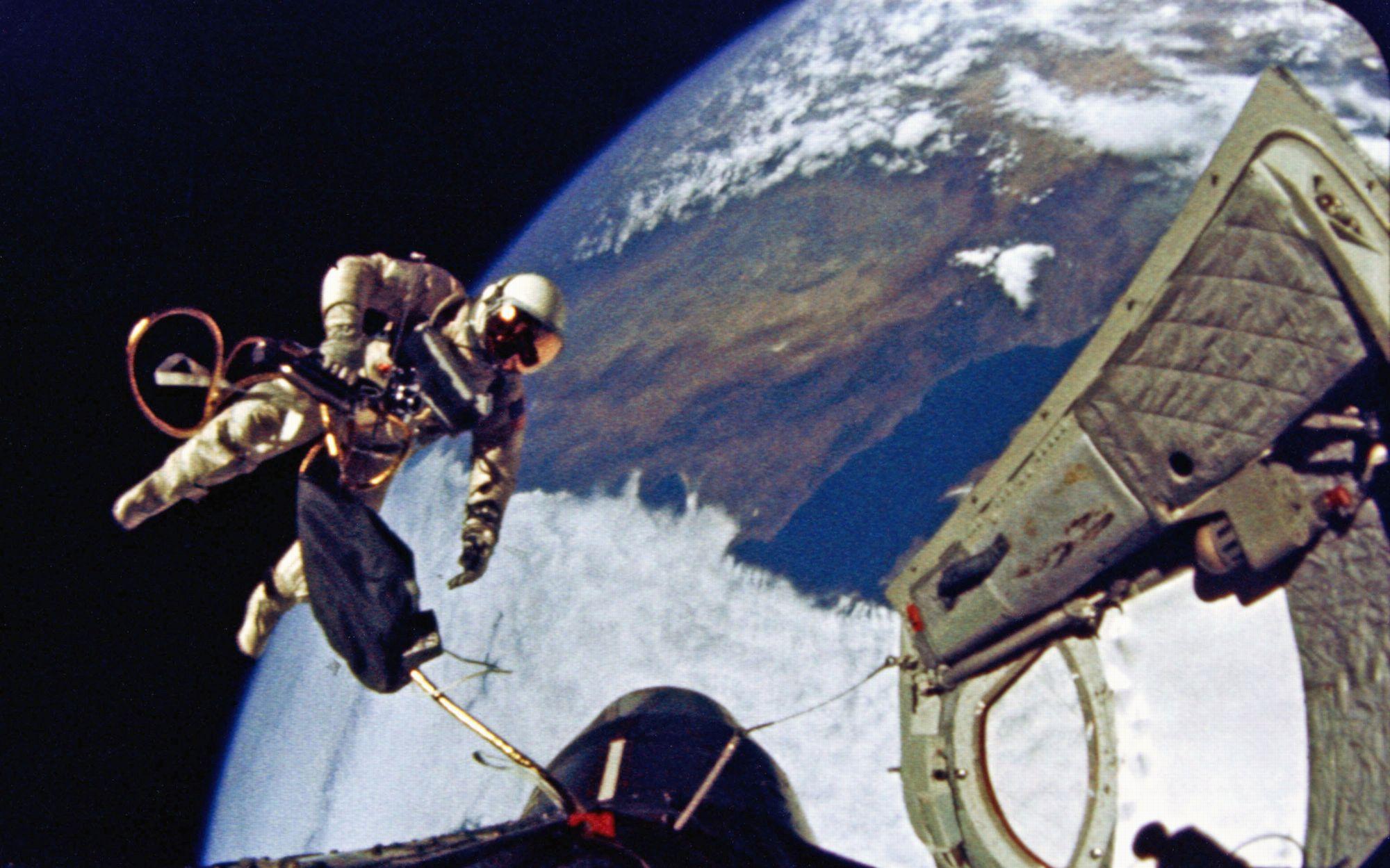 gemini 4 spacecraft documents - photo #2
